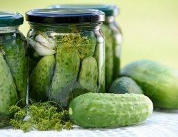 Миниатюра к статье Очевидные преимущества покупки соленых огурцов оптом